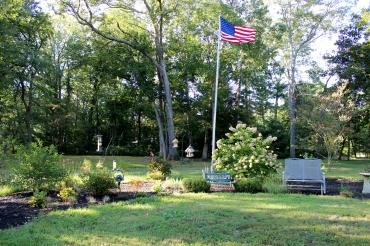 bird garden flag